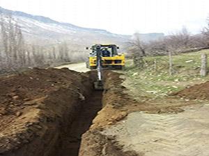 Derecik Belediyesi mevcut kaynak suyunu halka sağlıklı bir şekilde ulaştırmaya devam ediyor