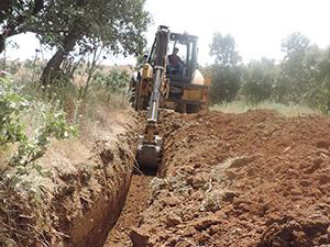 Derecik Belediyesi Başaklıya Su Ulaştırıyor