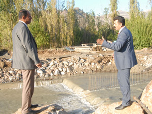 Derecik Belediyesi'nden yeni köprü çalışması