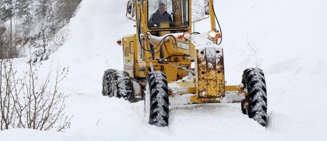 Derecik İlçesi Köy Yolları ve Askeri Üs Bölgelerinde Karla Mücadele Kapsamında Lastikli Yükleyici Loder Kiralama İhalesi