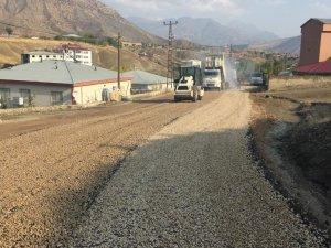 Koçyiğit Ve Şehit Hurşit Üstündağ Caddesindeki Yol Asfaltlama Çalışması