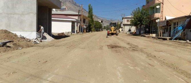Merkez Mahallesine Ait Ana ve Ara Caddelerde Asfaltlama Çalışmalarına Başlandı.